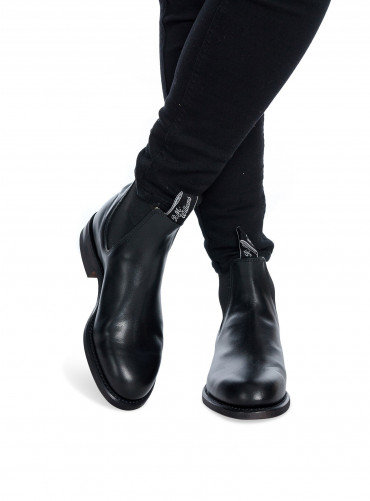 Wentworth Yearling Boots Black